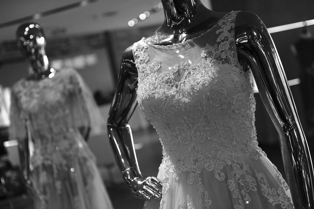 Silberne Kleider – Nicht nur an Silvester Trend!